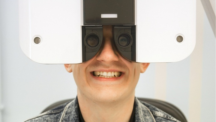Пора выкинуть очки и линзы: почему лазерная коррекция — быстрый и безопасный способ вернуть зрение