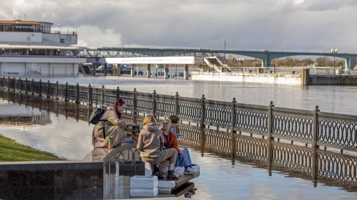 Из-за сбросов с ГЭС теплоходы с туристами не могут пришвартоваться в Ярославской области
