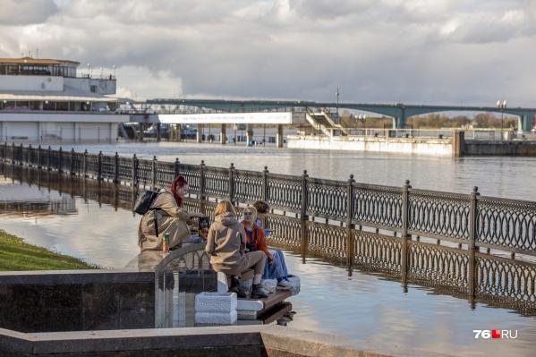Речной вокзал в Ярославле пока может принимать суда