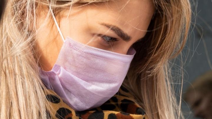 Власти рассказали, нужно ли носить ростовчанам маски, если они привились от COVID-19