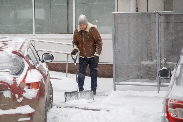 При снегопаде возможно усиление ветра