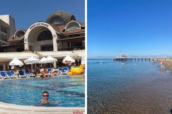 На курортах Турции сейчас немноголюдно. Свободные лежаки и пустынные пляжи — скорее норма, чем аномалия