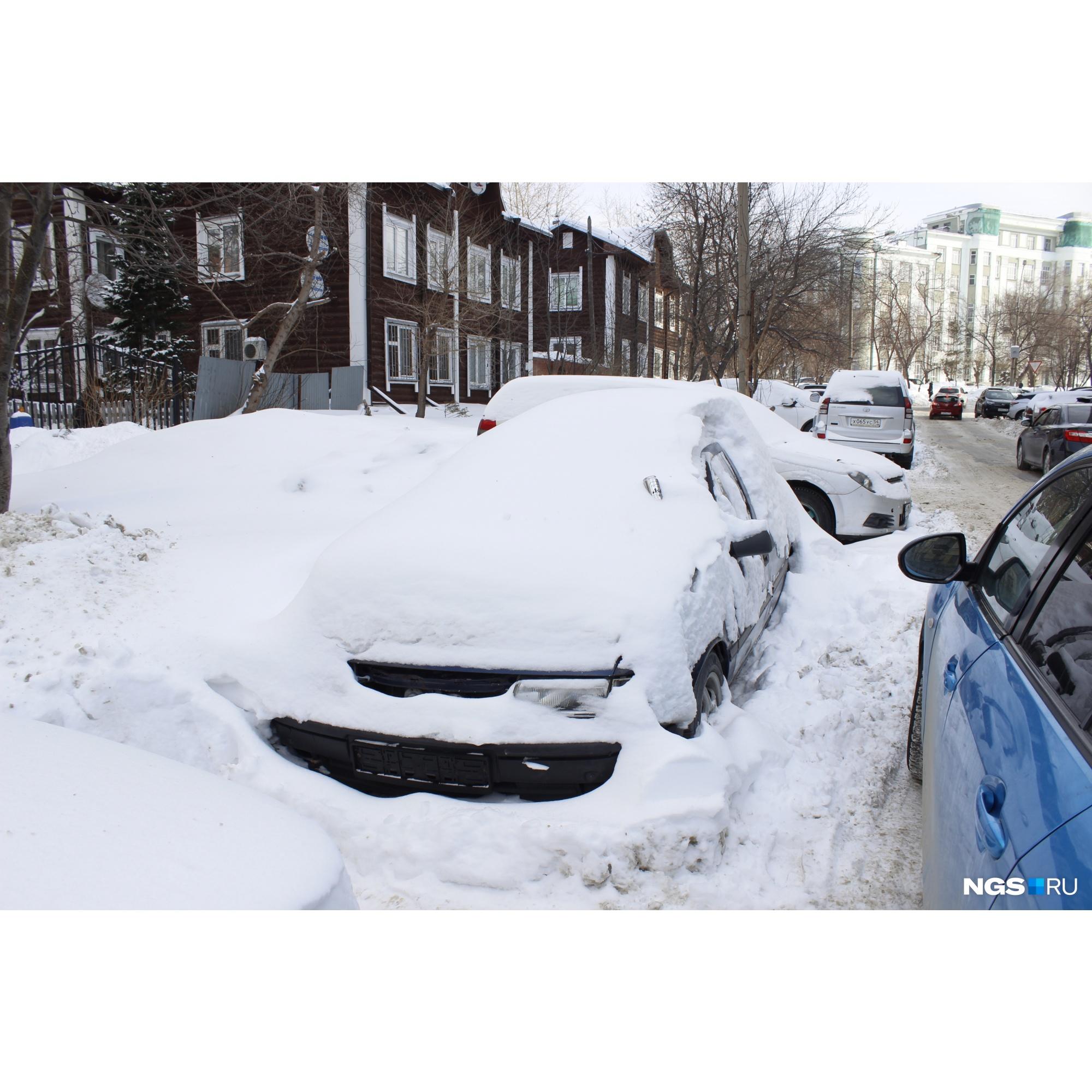 Машина-помойка на Депутатской