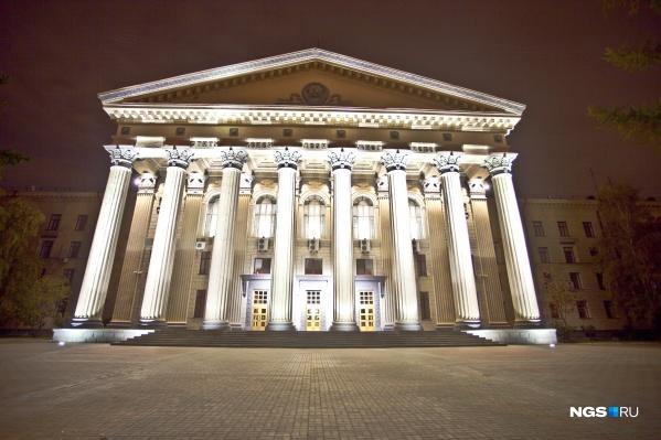 Вузы Новосибирска готовы нести свет знаний очередным выпускникам школ