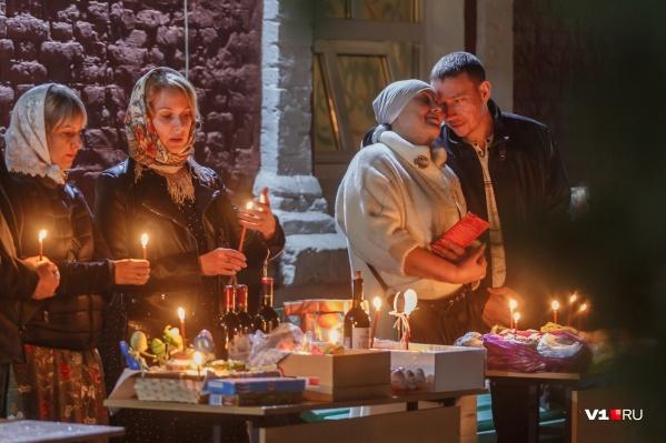 В Казанском соборе Волгограда прошли пасхальные богослужения