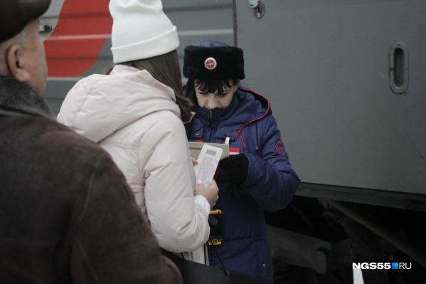 Билет на поезд Омск — Новосибирск стоит в три раза дешевле, чем на самолет