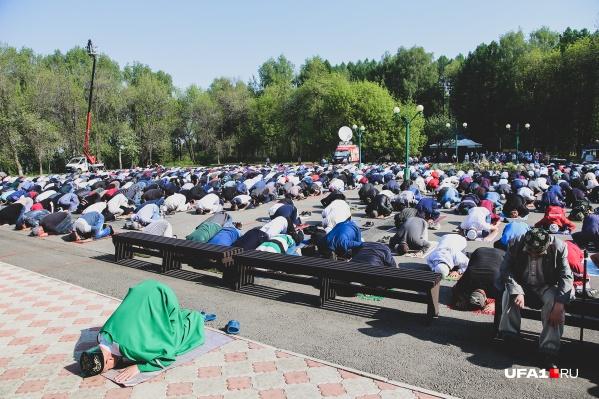 На проповедь в уфимской мечети собрались около 1000 человек