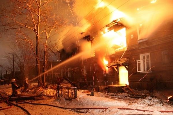 Поджег дом, но убивать не хотел: архангелогородец отомстил семье брата за отказ с ним выпить