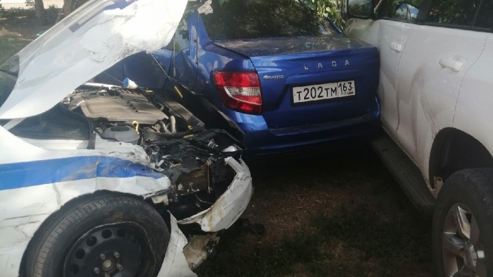 «Летела на огромной скорости»: в Нефтегорске машина ГИБДД протаранила три автомобиля