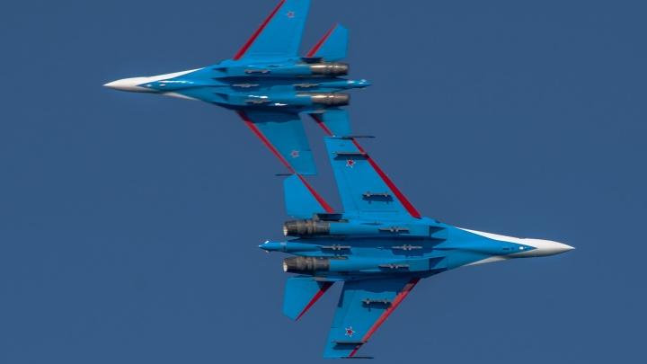 «Русские витязи» продемонстрируют югорчанам около 10 фигур высшего пилотажа