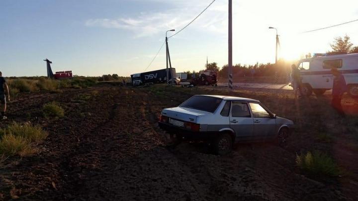 Выжила только девушка: в страшном ДТП под Волгоградом погиб сотрудник ФСИН