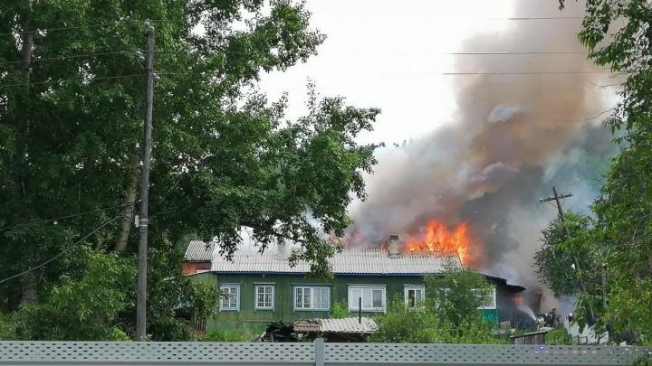 В районе Свердловской загорелся один из бараков. Среди обломков нашли два обгоревших тела
