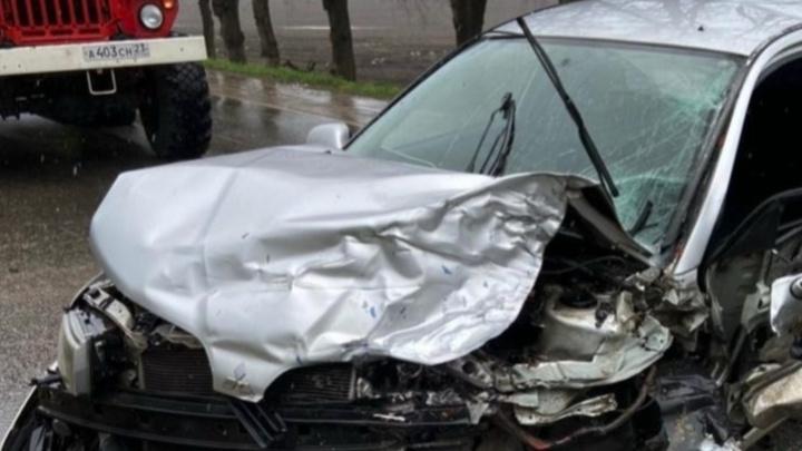 На Кубани трехлетняя девочка погибла в лобовом столкновении двух машин