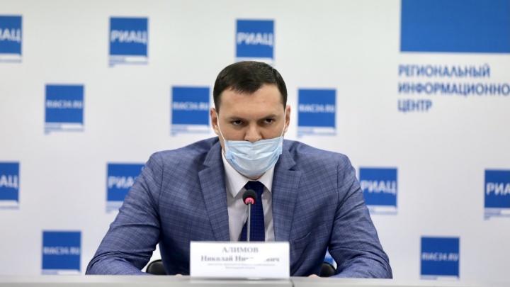 Руководство облздрава отказалось назвать число вакцинированных среди умерших от коронавируса в Волгограде