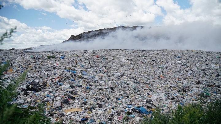 Мэрия Новосибирска после пожара закупит новые бульдозеры для мусорного полигона на Хилокской