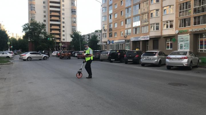 Сотрясение и перелом скуловой кости: в Екатеринбурге женщина на Volkswagen сбила 10-летнего мальчика