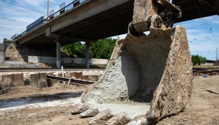 Мост на Малиновского откроют с 1 августа для легковых автомобилей и автобусов