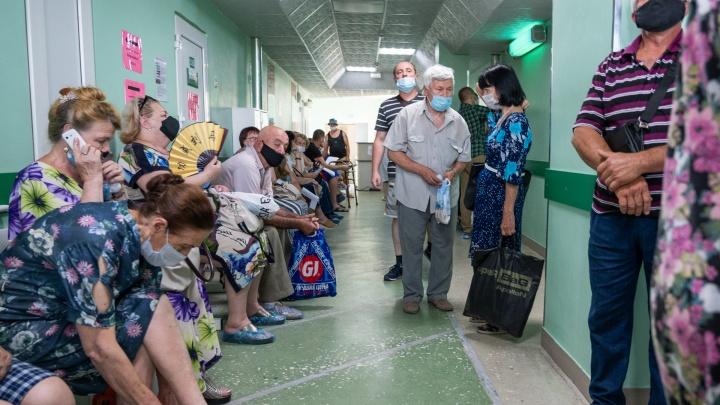 На Дону заболеваемость COVID-19 достигла рекорда за всё время — 392 случая в сутки