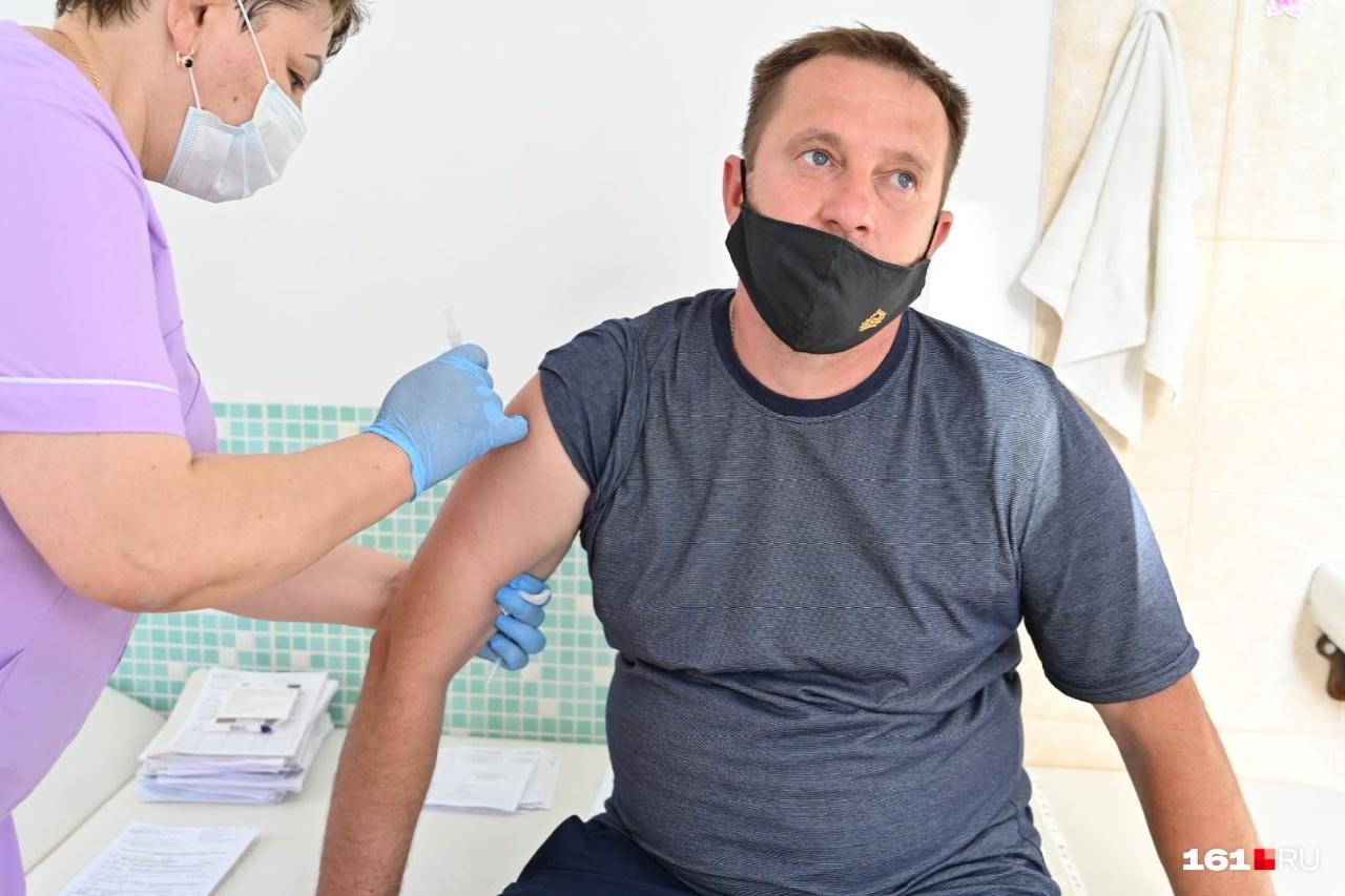 После введения обязательной вакцинации число привитых стало расти, но не очень сильно
