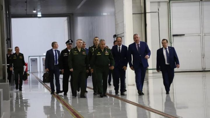 Министр обороны и глава Роскосмоса приехали в Красноярск инспектировать Красмаш