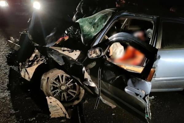 Судя по повреждениям, машины столкнулись лоб в лоб
