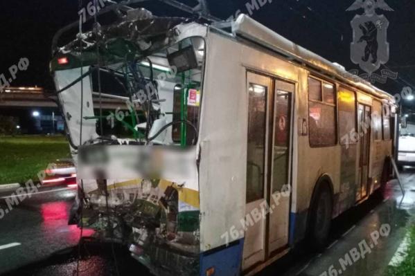 В троллейбусе пострадали водитель и пассажир