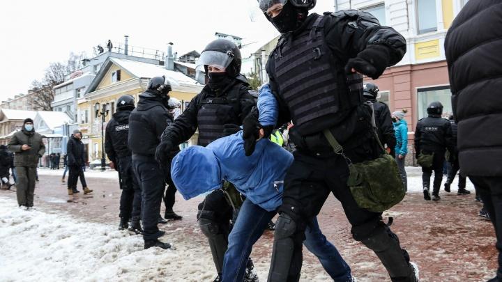 В нижегородском МВД сообщили, что в отделения были доставлены 70% участников воскресного митинга