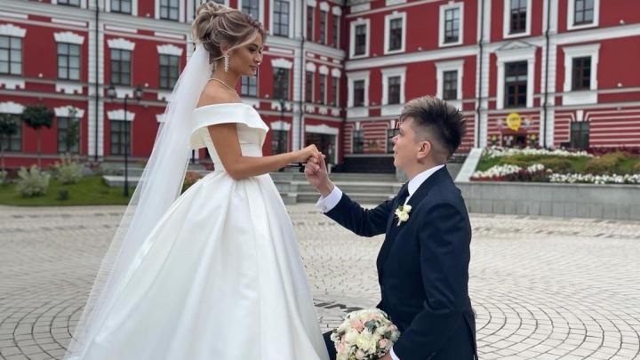 Хабиров, Клава Кока и многомиллионный «Майбах»: как прошла свадьба Элвина Грея