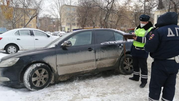 В центре Екатеринбурга машина сбила девочку, которая торопилась в школу