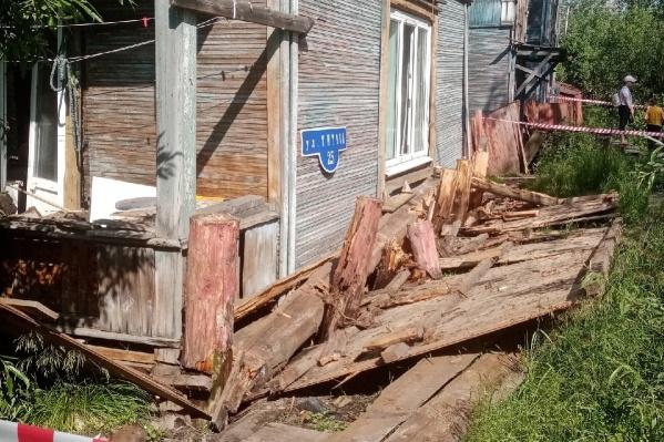 Особенно сильно пострадали квартиры на первом этаже дома