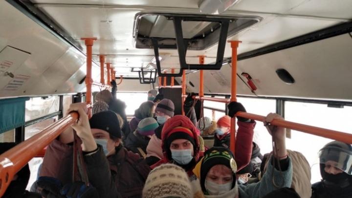 «В других городах проезд — 35 рублей»: перевозчик рассказал, как сохранить нерентабельные маршруты