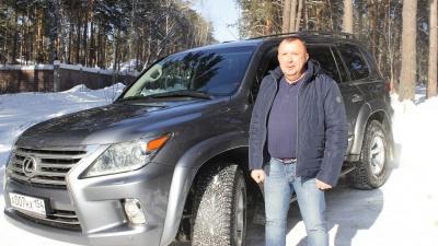 Коммунальный мост нипочём: новосибирец купил Lexus LX и переделал, чтобы не бояться жутких ям