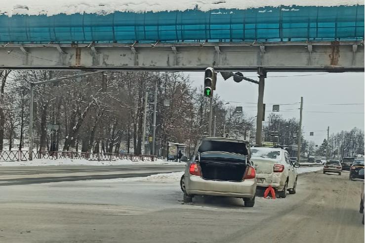Тормозной путь увеличивается из-за состояния дорог, не все это учитывают