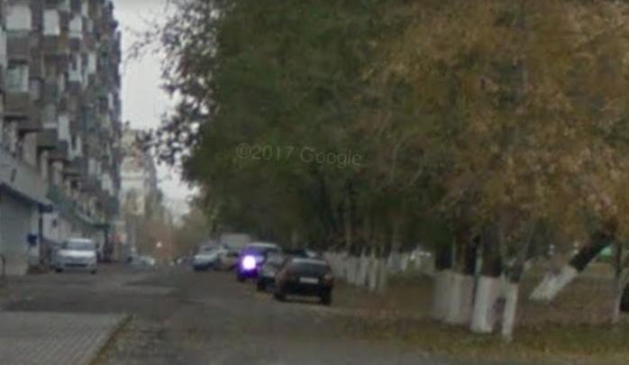 Волгоградец потребовал от президента США запретить сквозной проезд по двору на Спартановке