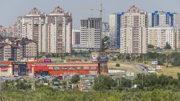 «Давайте законсервируем город»: в Волгограде продюсер предложил снести Дворец спорта ради Мамаева кургана