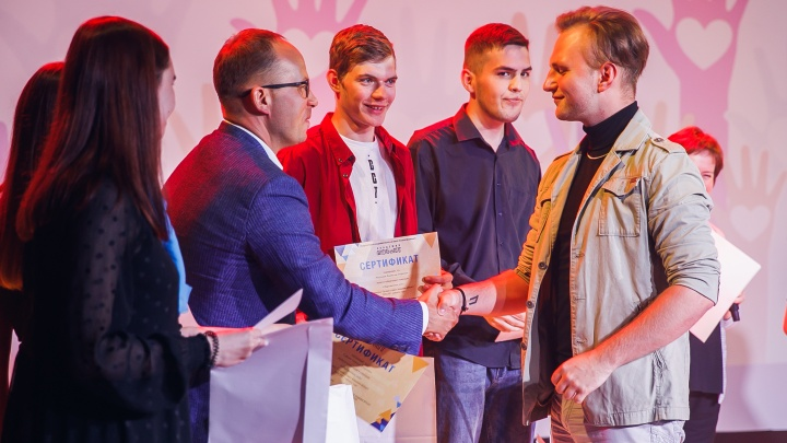 Лето для студента — время итогов: в Академии МУБиНТ наградили самых активных учащихся