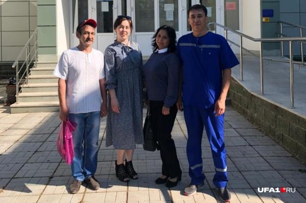 Иск против больницы подали 36 сотрудников, среди которых фельдшеры и водители скорой помощи. Они утверждают, что ездили на помощь к COVID-больным