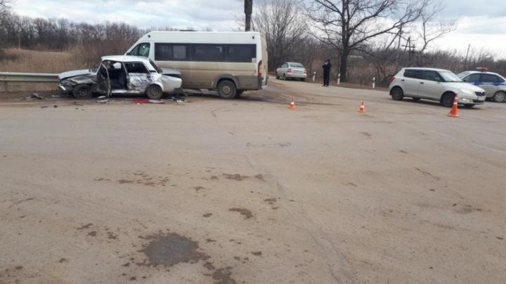 Пострадавших оказалось в четыре раза больше: подробности ДТП с маршруткой под Волгоградом