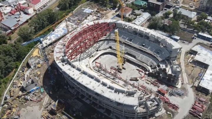 Ледовая арена УГМК вышла на новый этап: как выглядит с высоты мегапроект, который строят вместо снесенной телебашни