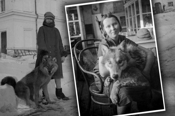 """22-летняя Александра Левашова гуляет с волком по Омску. <nobr class=""""_"""">1928 год</nobr>"""