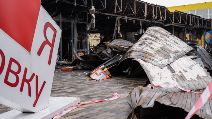 Подобраться к гидрантам мешала парковка. Как горел рынок в Левенцовке и кто пострадал от огня