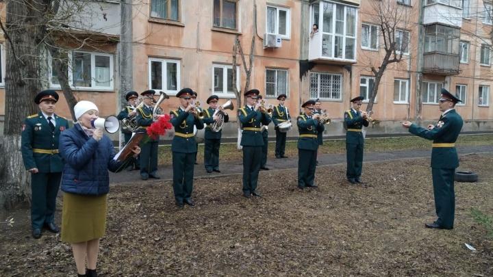 В Красноярске начали поздравлять ветеранов Великой Отечественной войны