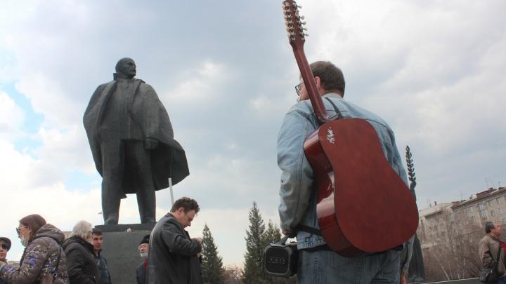 Тихий Первомай: как в Новосибирске прошел праздничный день— 15фото