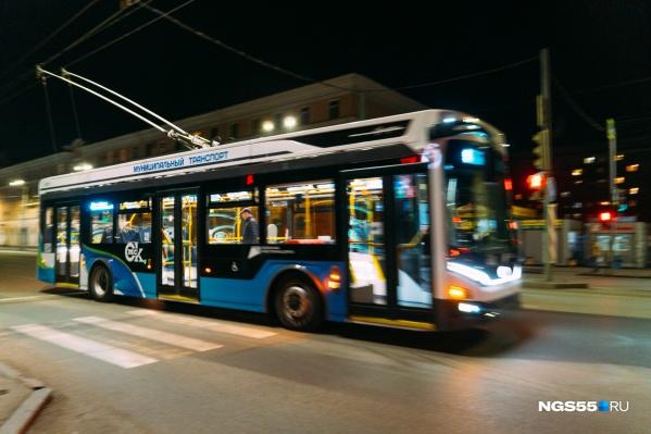 """На троллейбусе <nobr class=""""_"""">№ 4</nobr> зрители смогут доехать до ж/д вокзала"""