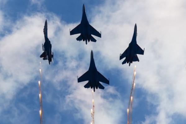 Последний раз пилотажная группа прилетала в Югру почти 15 лет назад