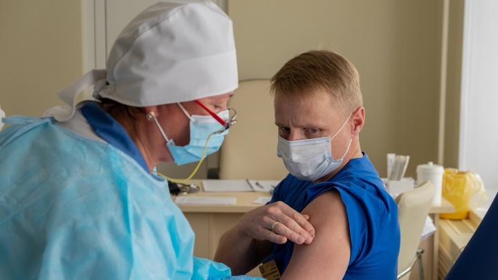 «Лишь единичные случаи»: на Дону выявили COVID-19 у получивших вакцину