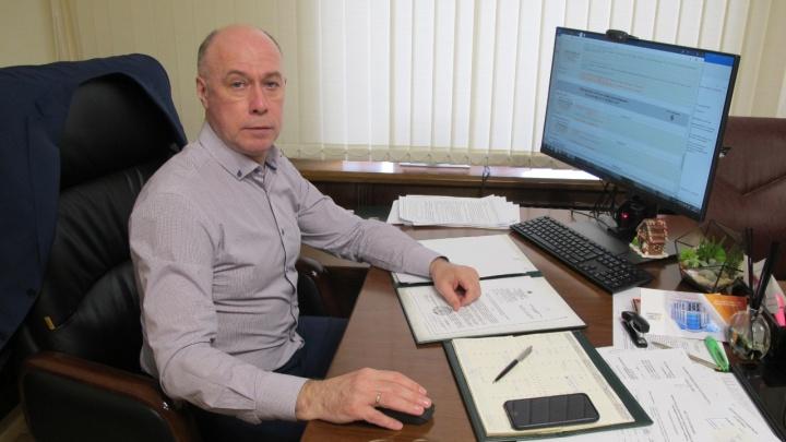 Отопительный сезон, опрессовки и сугробы во дворах: на вопросы о ЖКХ отвечает вице-мэр Екатеринбурга