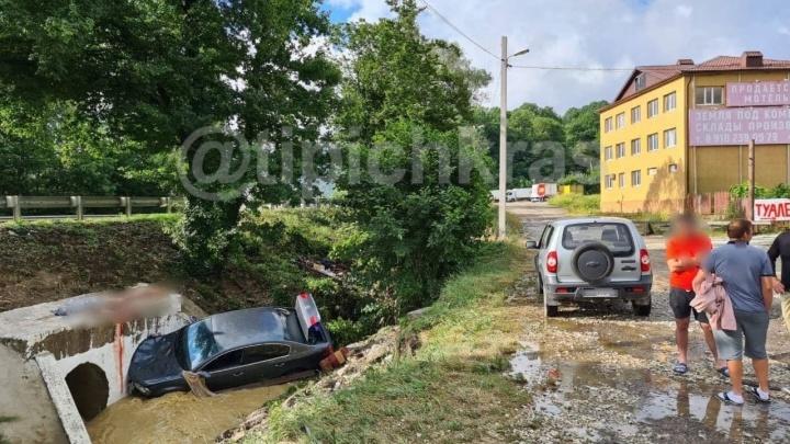 В Туапсинском районе погибли три человека во время потопа