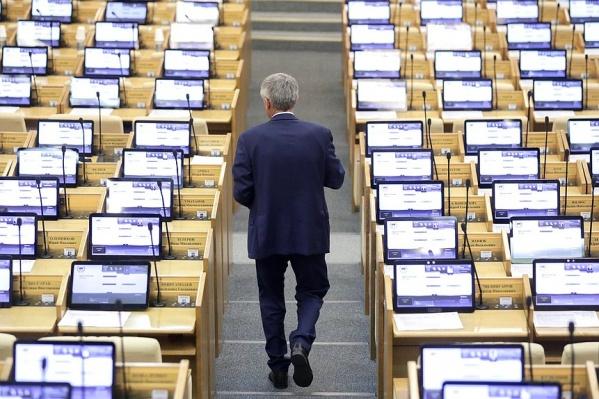 Сначала речь шла только о выборах в Госдуму, но потом решили расширить ограничения