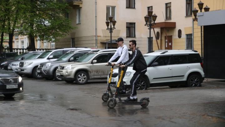 В Новосибирске введут новые правила для передвижения на электросамокатах. Как теперь ездить?